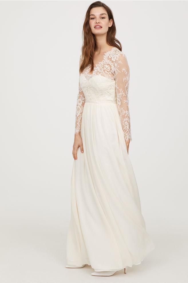 10 robes blanches signées H&M à moins de 300 $ et parfaites pour se marier