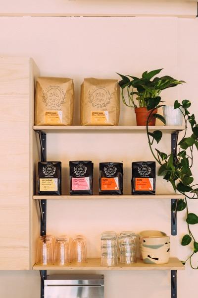 Un café atelier poterie vient d'ouvrir dans la Petite-Patrie!