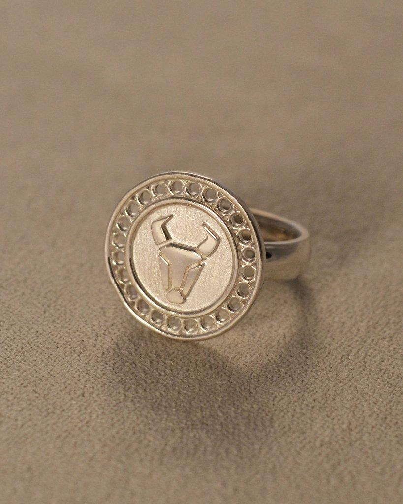 Astro bijoux : portez fièrement votre signe astrologique