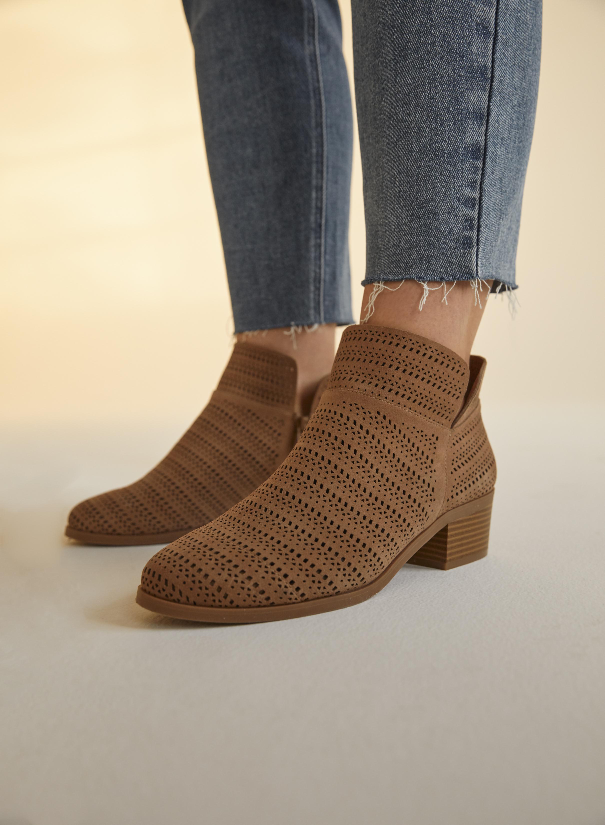 ADDITION ELLE et ALDO Produits et Services lancent une collection de chaussures pleine largeur