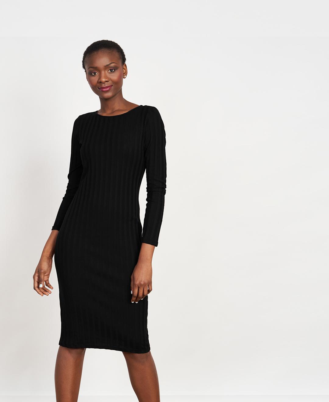 carre-robe-noire-1