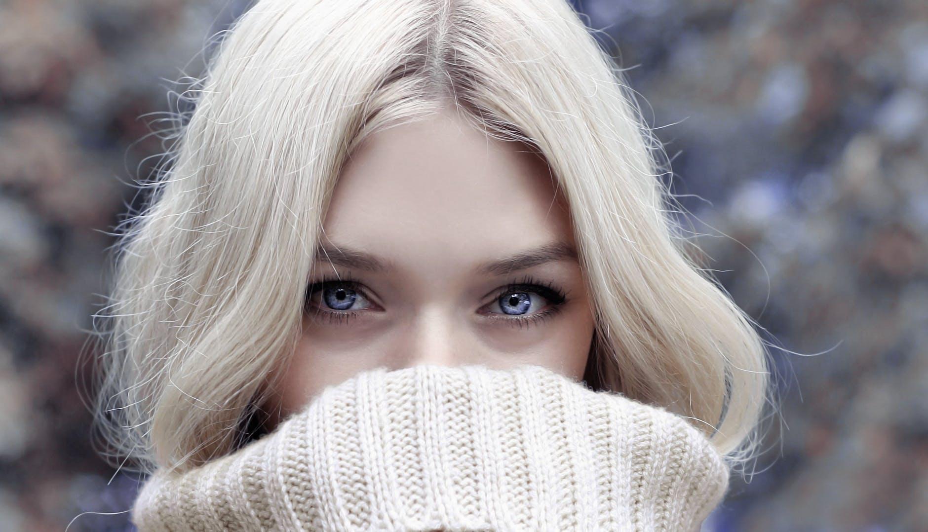 ALERTE À LA BLONDE : un revitalisant pour garder un blond bien cendré