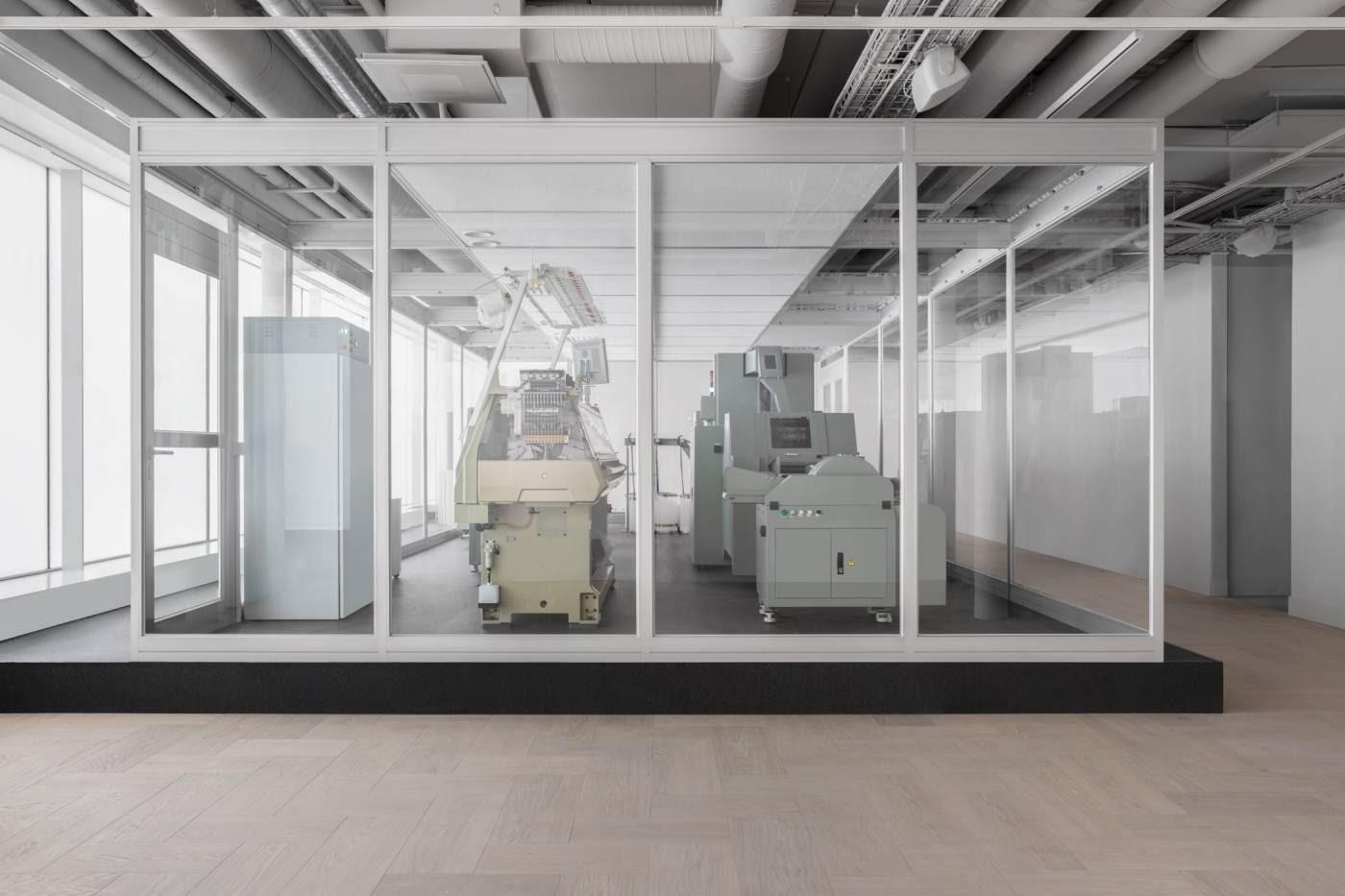H&M crée un système capable de recycler du vieux en neuf en seulement 5 heures